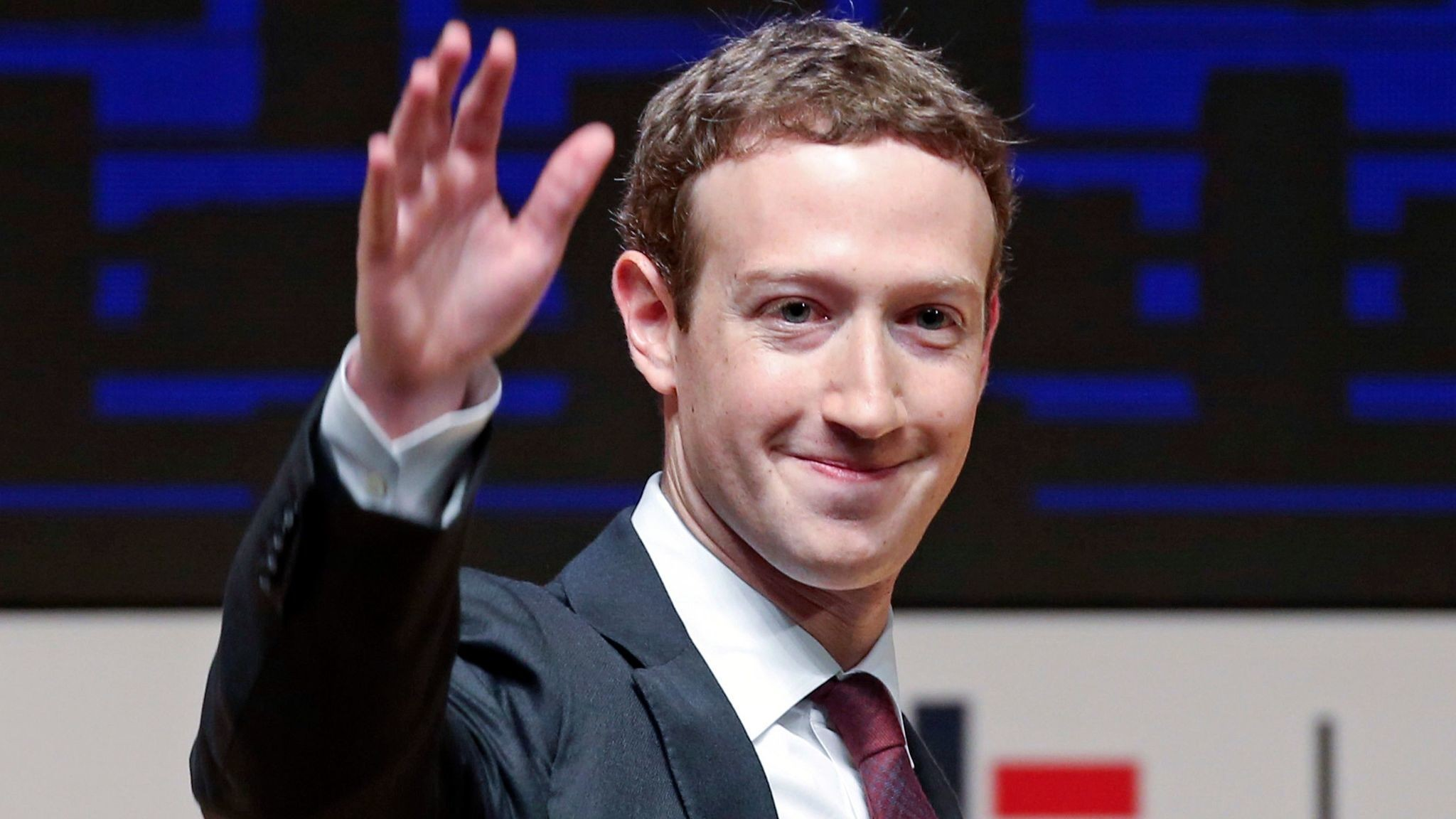 Цукерберг привлечет пользователей социальная сеть Facebook коценке правдоподобности новостей
