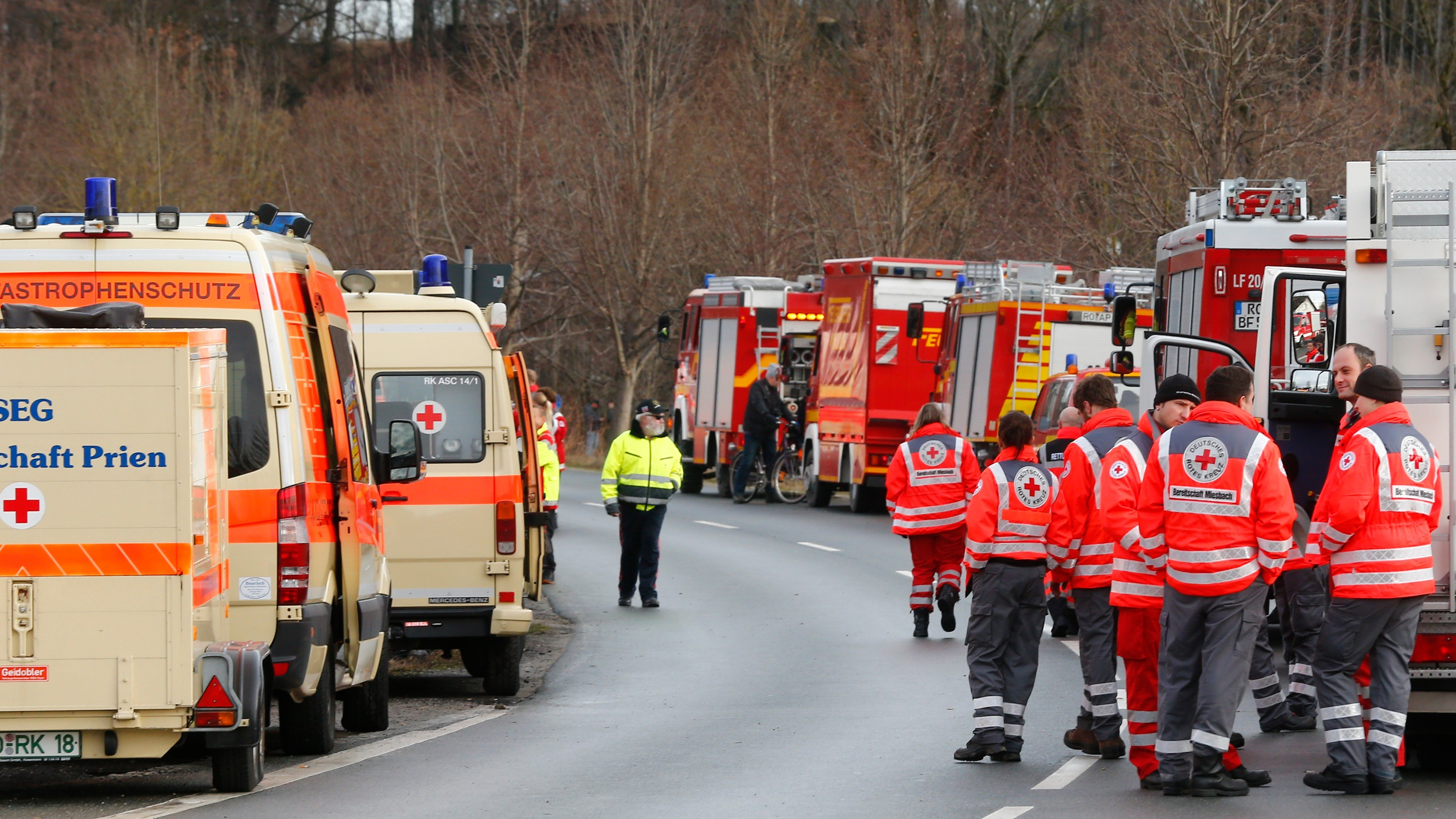17 авто столкнулись наавтобане вГермании— Масштабное ДТП