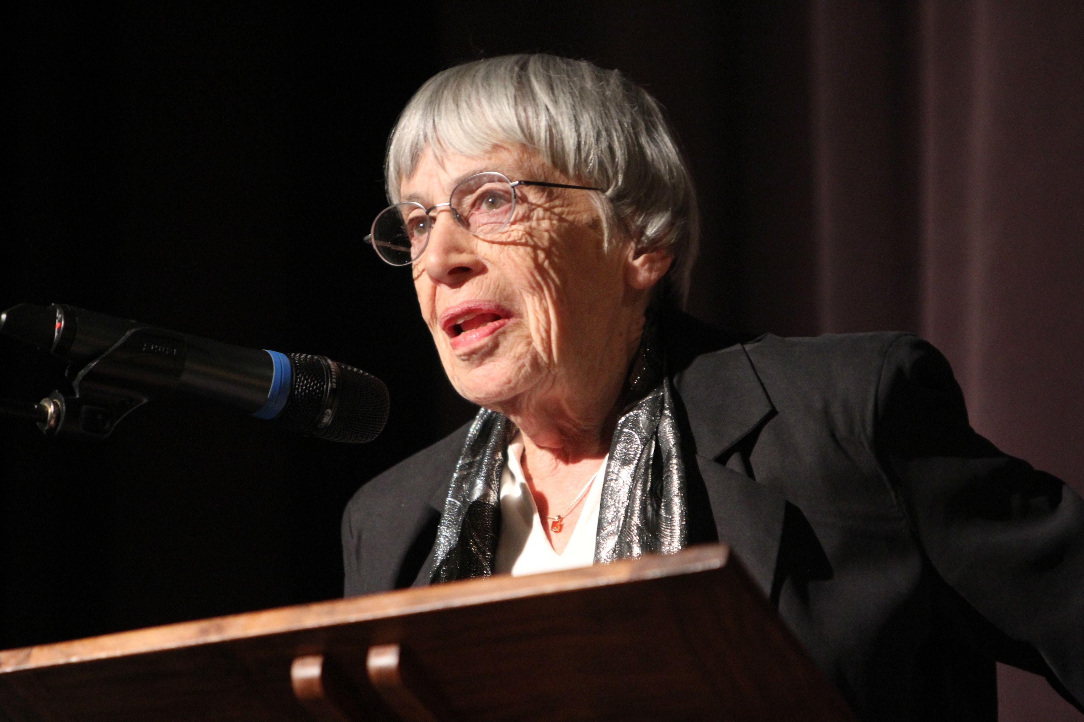 Скончалась североамериканская писательница Урсула ЛеГуин