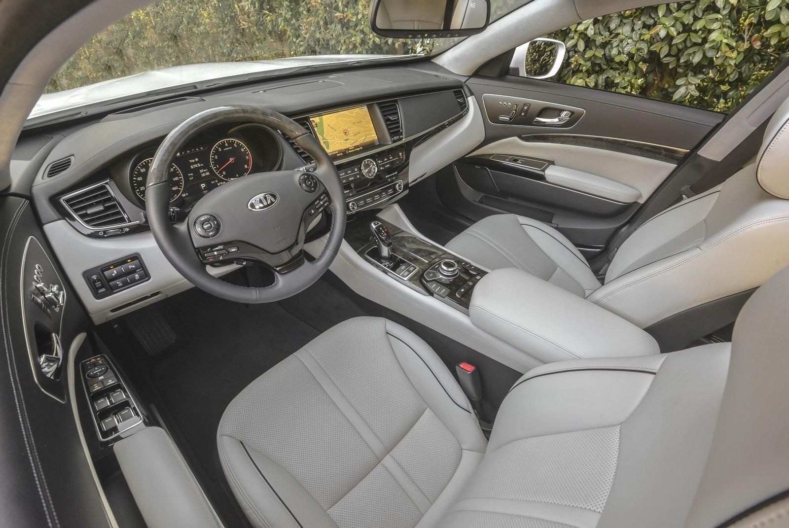 Новый Кия K900 покажут на автомобильном салоне вНью-Йорке