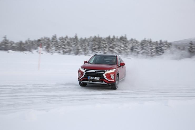 Всередине весны на русском рынке автомобилей появится кроссовер Мицубиши Eclipse Cross