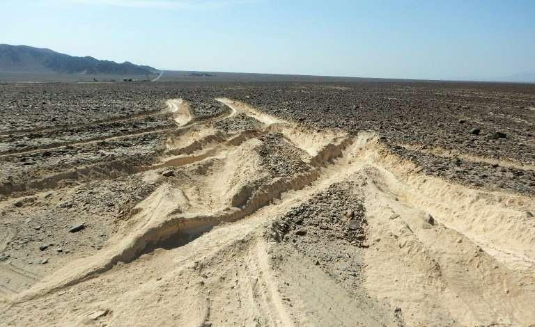 ВПеру грузовой автомобиль нанес ущерб охраняемым ЮНЕСКО линиям Наска
