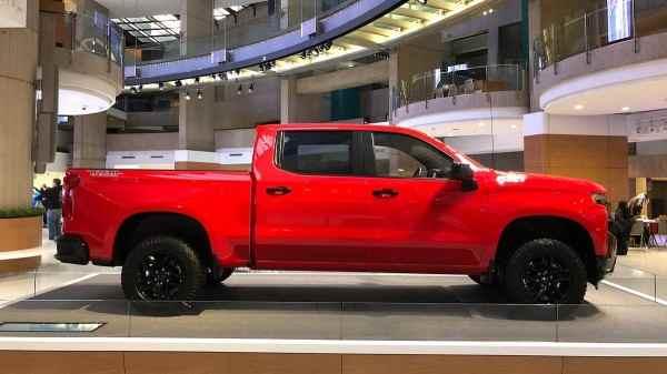 Новый пикап Chevrolet Silverado официально представлен в Детройте