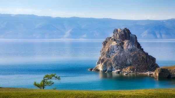 На 6 сантиметров ниже критической отметки упал уровень озера Байкал