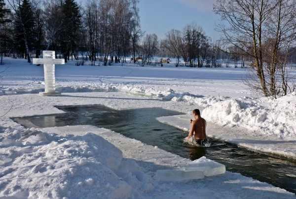 Из-за 50-градусных морозов в Норильске отменили крещенские купания