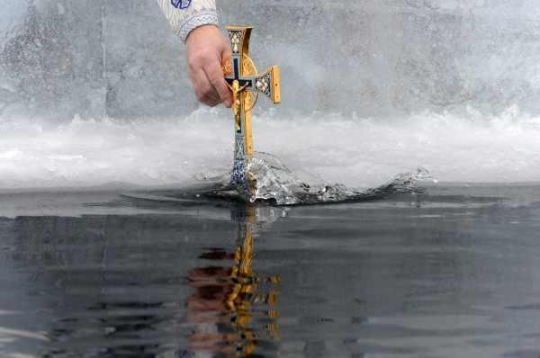 РПЦ освятит воду вовсех океанах планеты