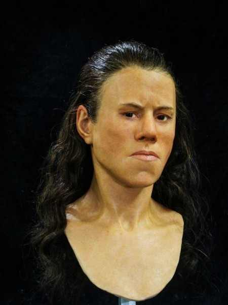 Специалисты воссоздали по черепу лицо 9 000-летней девушки