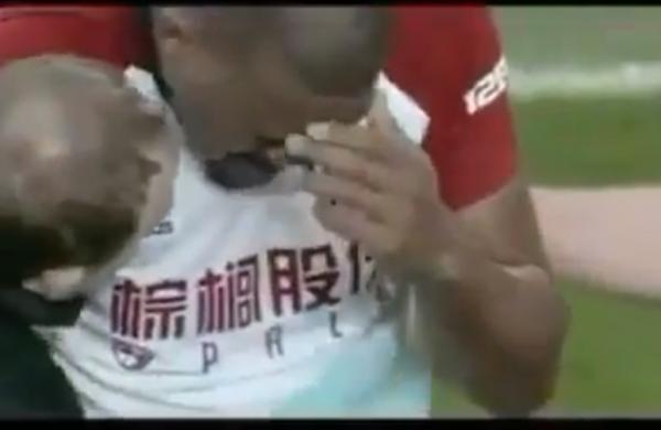 Бывший игрок «Зенита» Рондон сломаk ногу игроку «Эвертона» и расплакался