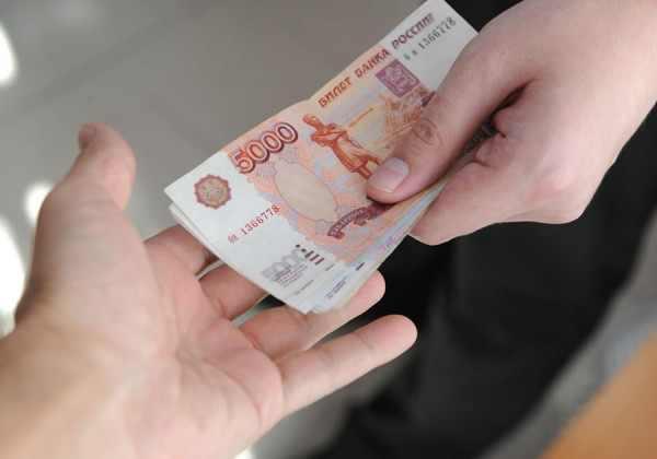 В Мценске мужчина пытался разменять 5 тысяч рублей на 10