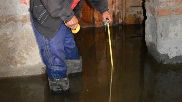 В Таганроге жилой дом затопило фекалиями