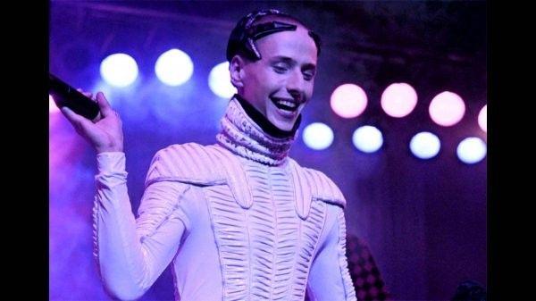 Юзеры Сети делятся каверами нахит русского певца— Витас снова популярен