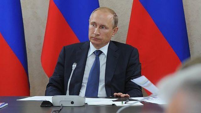 Путин видит возможность для падения цен набензин