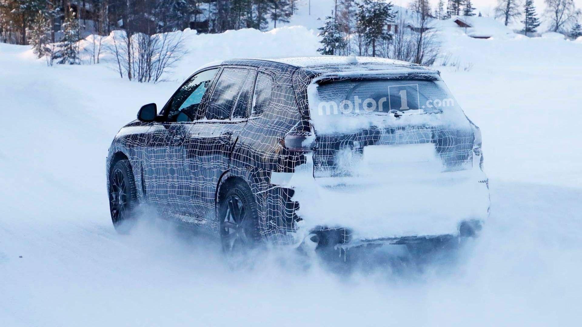 Новый 600-сильный БМВ X5 Mнаснежном тест-драйве