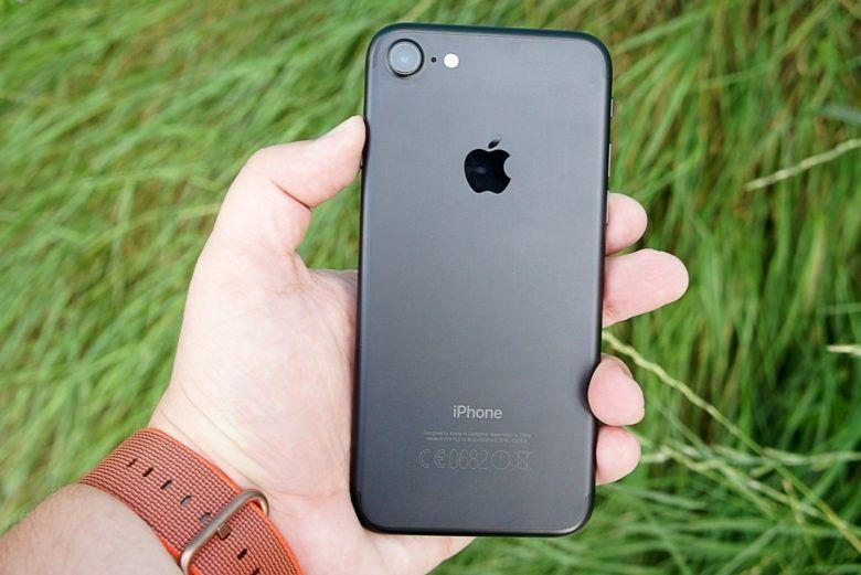 Apple бесплатно починит iPhone 7 с ошибкой «Нет сети»