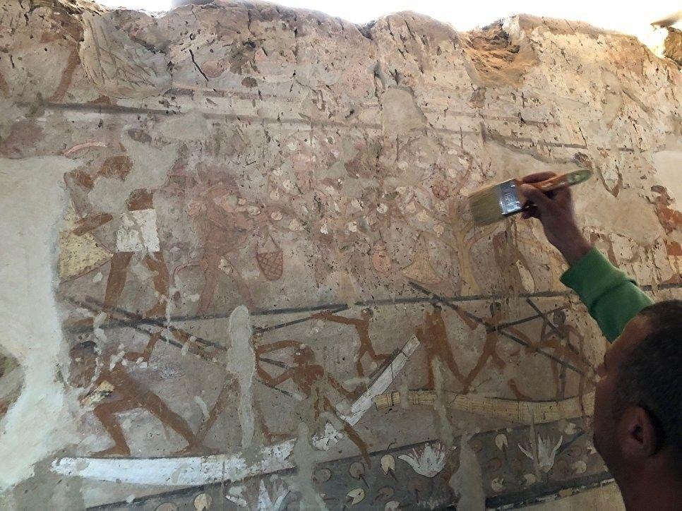 Упирамид Гизы раскопали гробницу высокопоставленной чиновницы