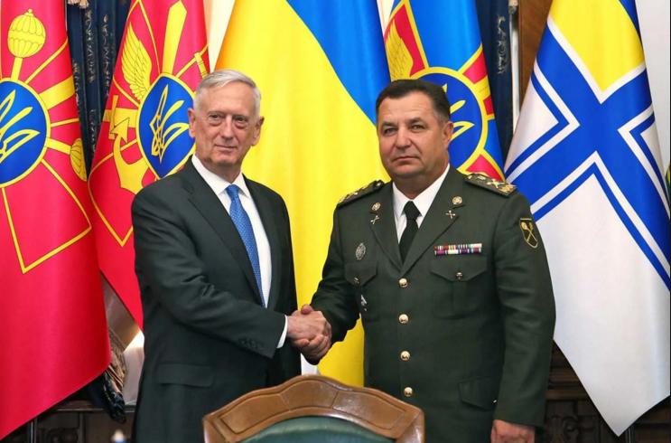 Руководитель Пентагона разучил гимн Украины квстрече сПолтораком