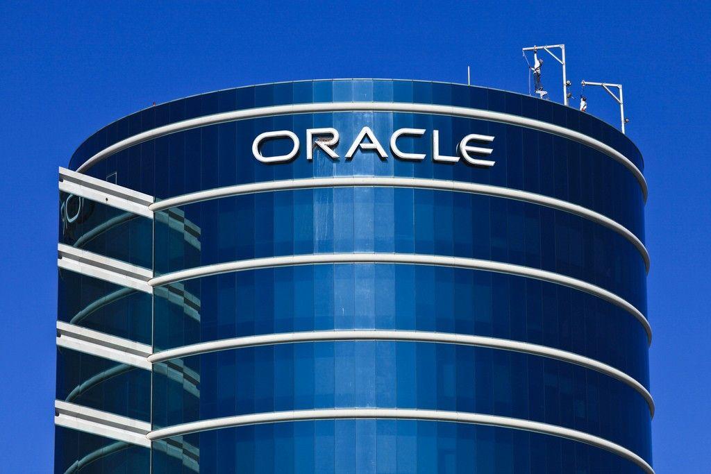 Под санкции «Oracle» попали «Газпром» и«Роснефть»