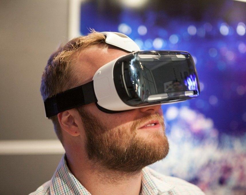 Первые очки виртуальной реальности в мире обзор mavic air combo se