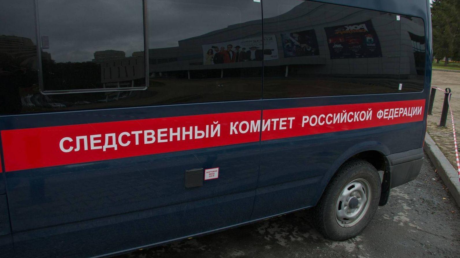 Саратовец обвинил следователей визбиении из-за плохой песни вкараоке