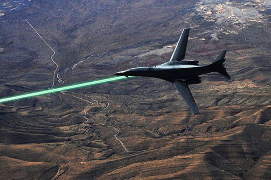 Россия задумалась о создании нового самолета с лазерным оружием