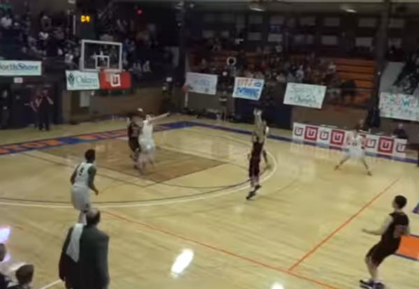 В США школьник-баскетболист совершил феноменальный бросок
