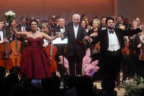 Оперный концерт Нетребко и Айвазова в Москве стал самым дорогим