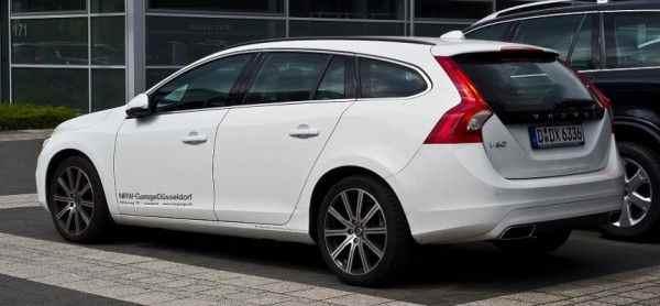 Новый универсал Volvo V60 покажут 21 февраля 2018 года