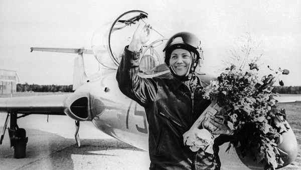 Летчица СССР Марина Попович рассказала о секретном задании «НЛО»