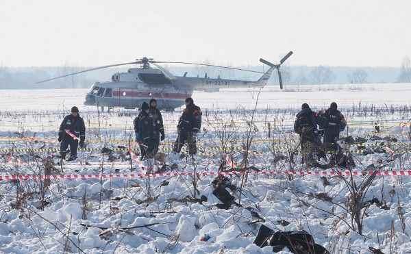 В Подмосковье на месте крушения Ан-148 проводят перегруппировку спасателей