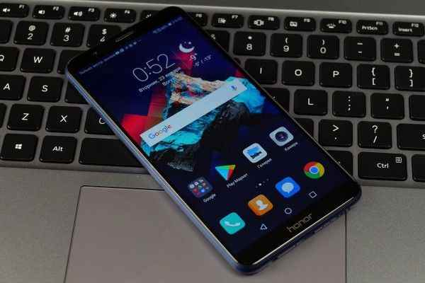 Huawei Mate SE станет убийцей iPhone SE