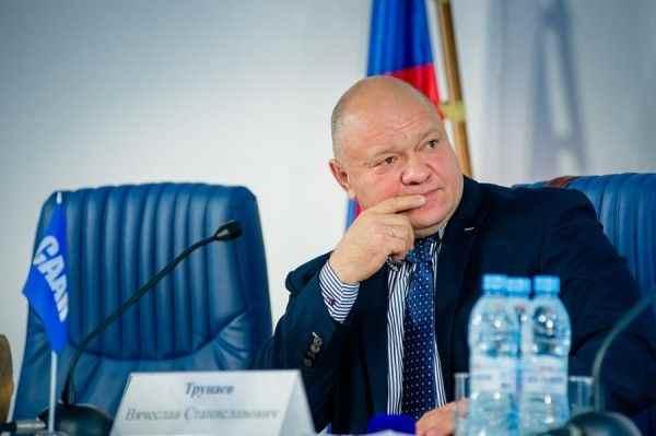 Новосибирские перевозчики заявляют о проблемах с АЗС из-за правовой коллизии