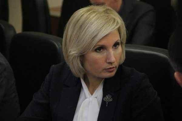В Госдуму внесли законопроект о праве с 14 лет жить отдельно