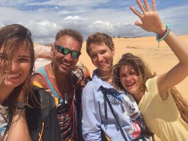 Масленица над Вьетнамом с блинами и 3 девушками