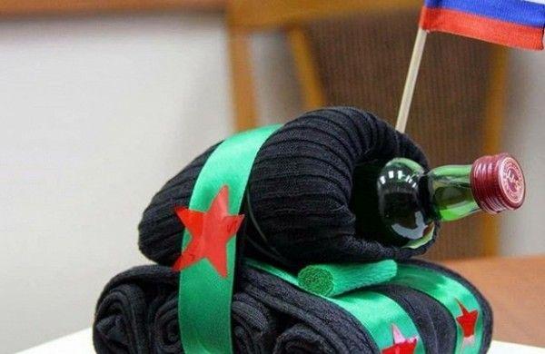 На подарки к 23 февраля жители Подмосковья потратят около 400 рублей