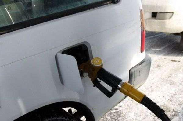 В Тюменской области рост розничных цен на бензин медленнее оптовых