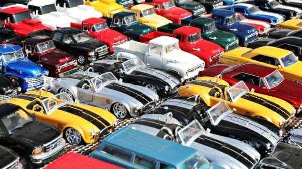 Названы самые популярные цвета автомобилей в мире в 2017 году