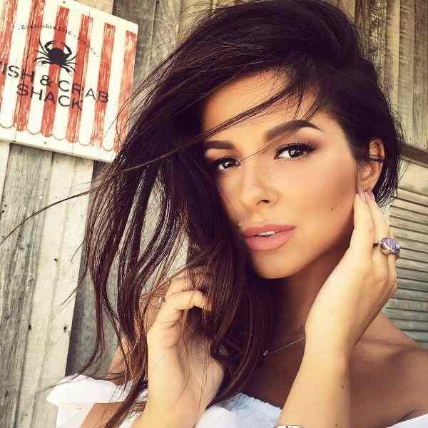 Фанаты Нюши раскритиковали её за гигантские брови