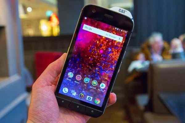 Caterpillar выпустила смартфон CAT S61 с тепловизором и защитой