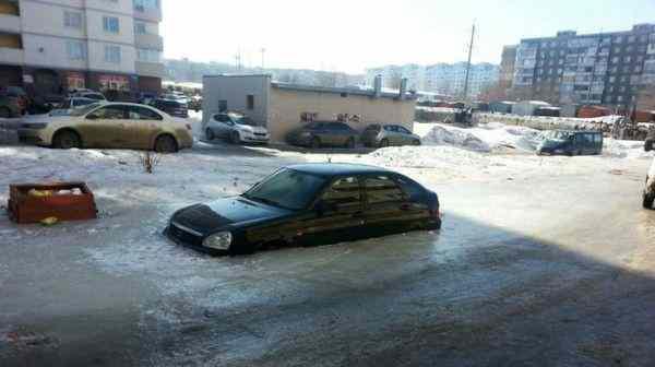 В Саратове автомобиль замерз в фекалиях