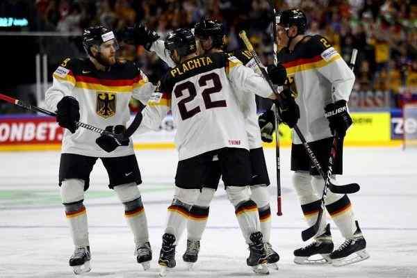 Финал Россия - Германия: волевые аутсайдеры обыграли канадских профессионалов