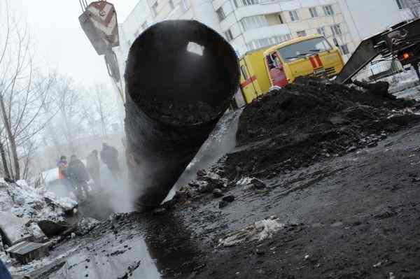 В Петербурге жители 9 домов остались без воды из-за порыва трубы