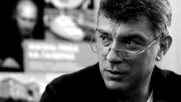 Астраханцы провели акцию в память о Борисе Немцове