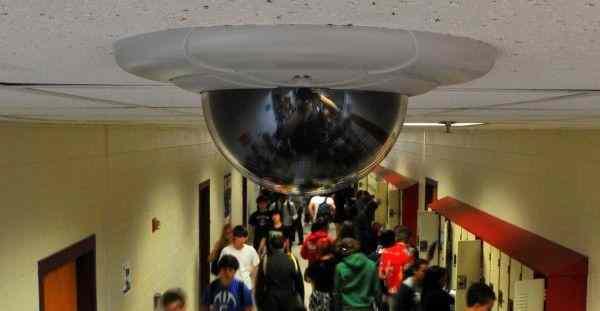 В двух школах Брянской области усилили безопасность камерами
