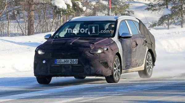 Не тестах замечен новый универсал Kia Ceed Sportswagon