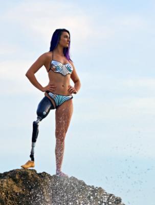 22-летняя лишенная ноги сноубордистка из США стала моделью