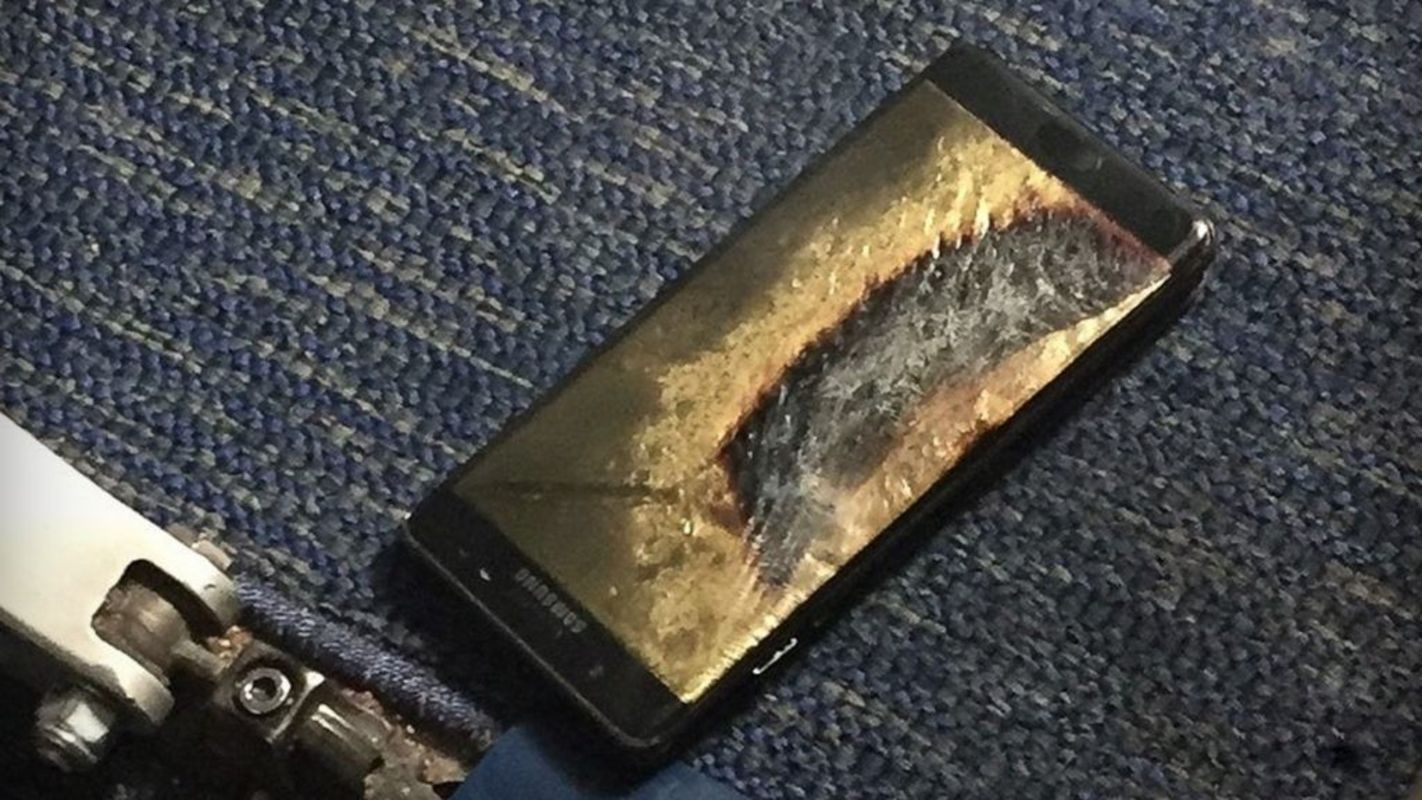 Ваэропорту Торонто пассажирка пострадала из-за возгорания телефона