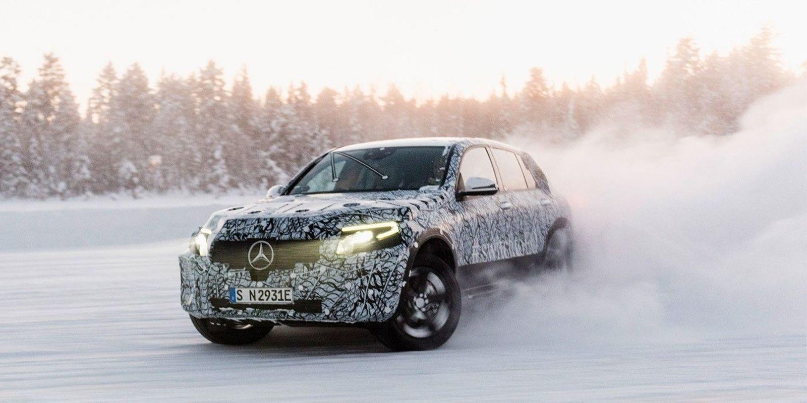 Mercedes показал электрокар EQC в преддверии официальной премьеры (ФОТО)