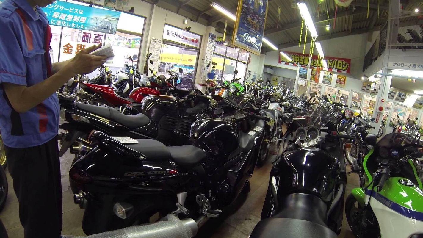 Мотоциклист в сексе