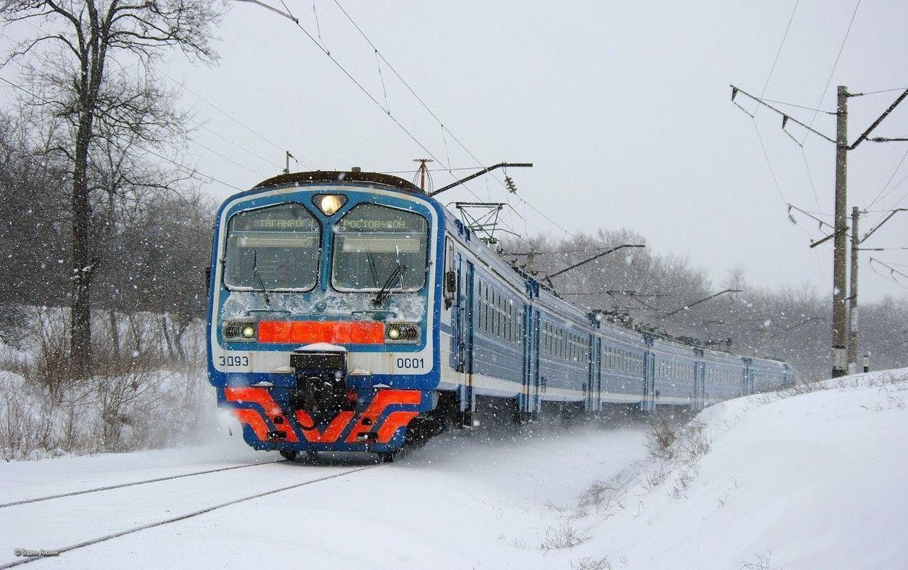 Поезд сбил мать с сыном вколяске вПодмосковье
