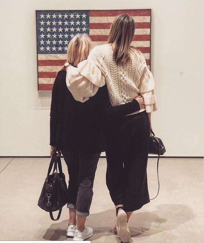 Фанаты раскритиковали Шарапову зафото около флага США